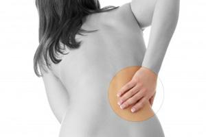 Rückenschmerzen und Verspannungen  (©123rf.com)
