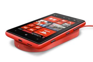 Kabelloses Aufladen beim NOKIA Lumia 920
