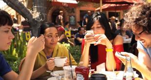 Die Generation Smartphone, wenn das persönliche Gespräch stirbt