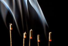 Zu den Rauhnächten räuchern ist ein alter Brauch mit Wirkung (©123rf.com)