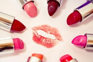 Verschiedenste Farbstoffe im Lippenstift
