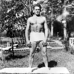 Josef H. Pilates mit 59 Jahren (1883-1967)
